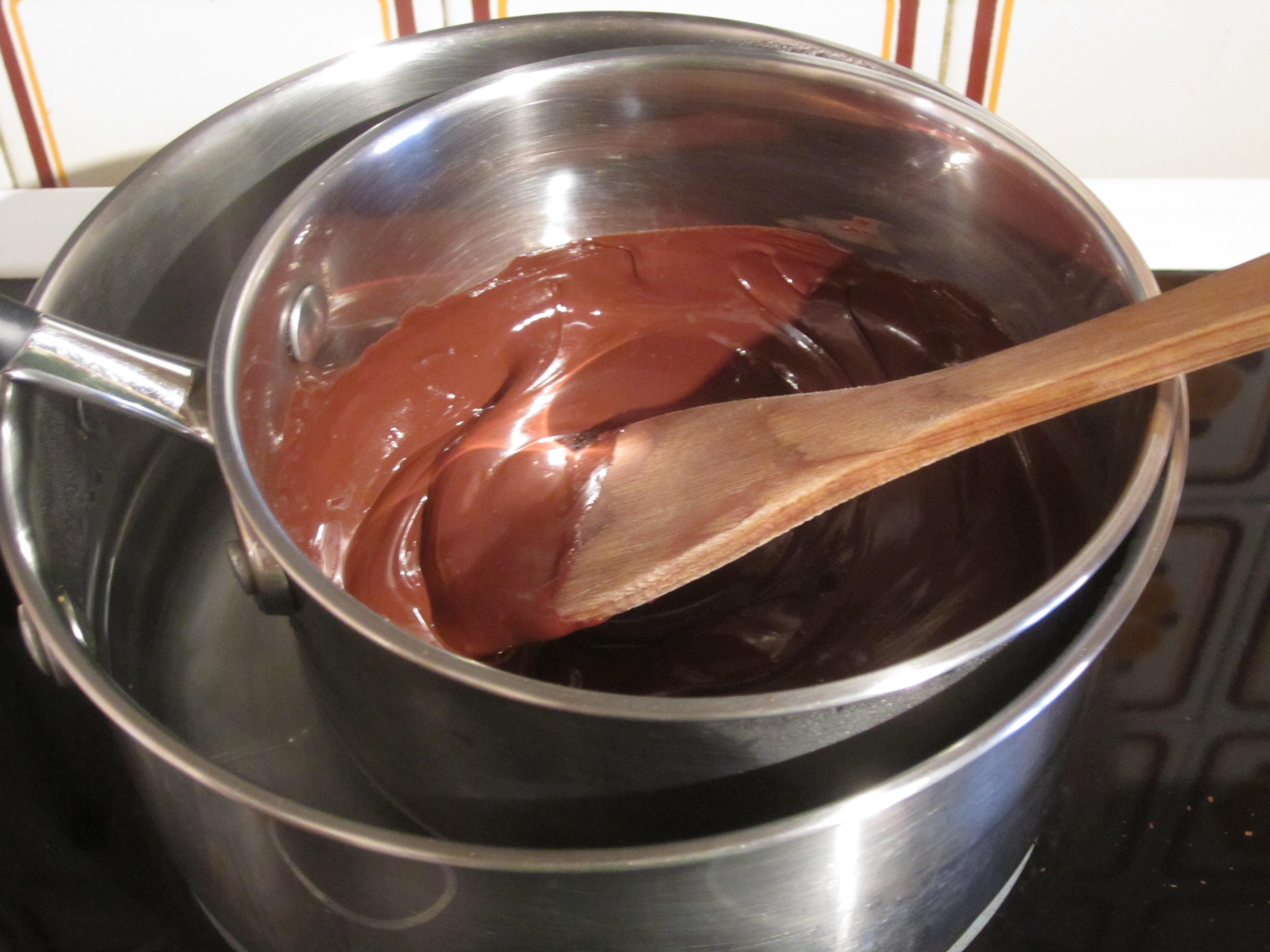 Imagen De Baño Maria:cuando este listo agregar a la preparación de huevos y azúcar